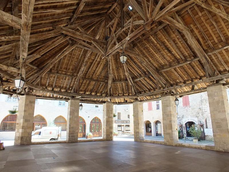 Martel - La halle du XVIIIe (Place des Consuls)