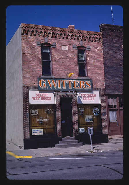 G. Witters, Select Wet Goods, Erie Street, Storm Lake, Iowa (LOC)