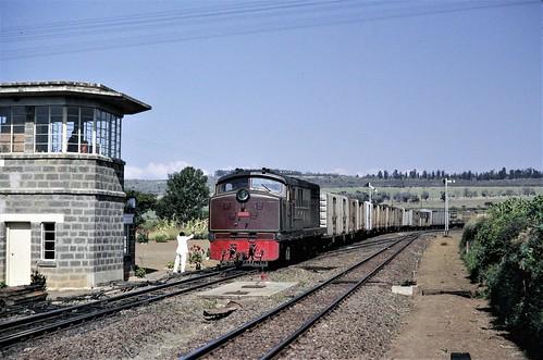 train locomotive ear africa railways diesel