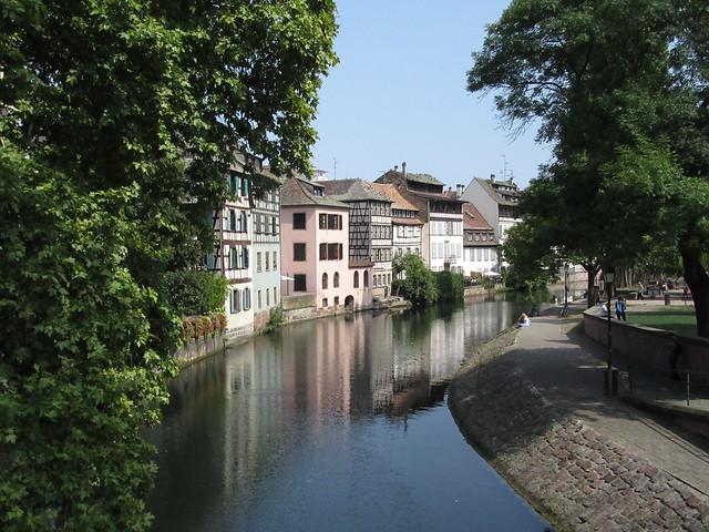 Fachwerkhäuser am Ufer der Ill in Straßburg