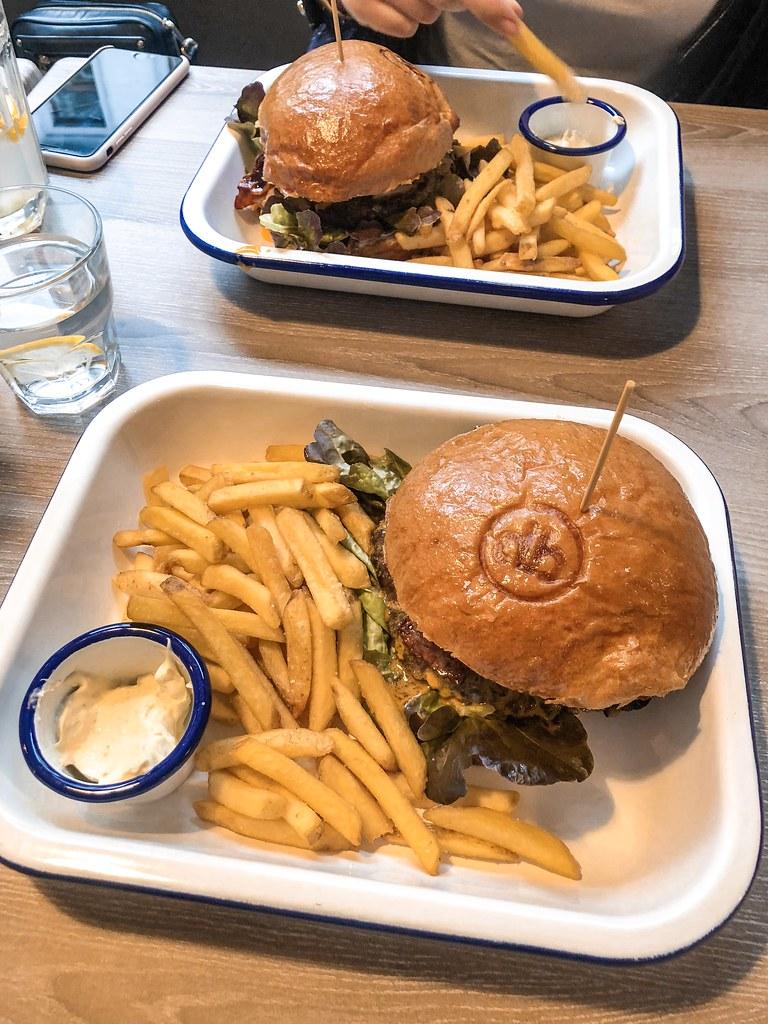 domynoburger