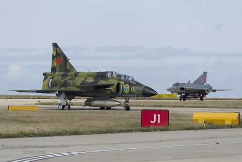 SE-DXR SAAB Draken J35J & SE-DXO SAAB Viggen Sk-37E