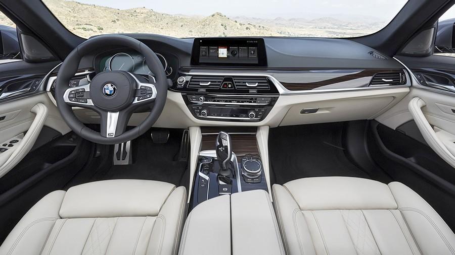 BMW serija 5 enterier