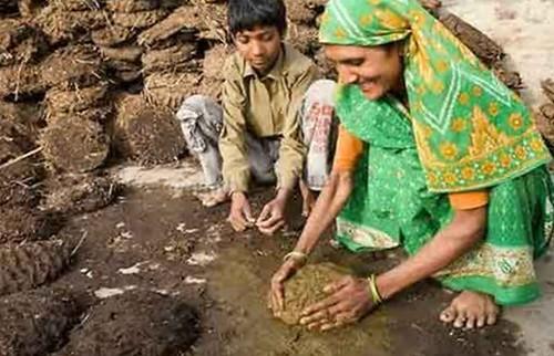 Menjijikan! Inilah Cara Masyarakat India Mengatasi Jerawat di Wajah