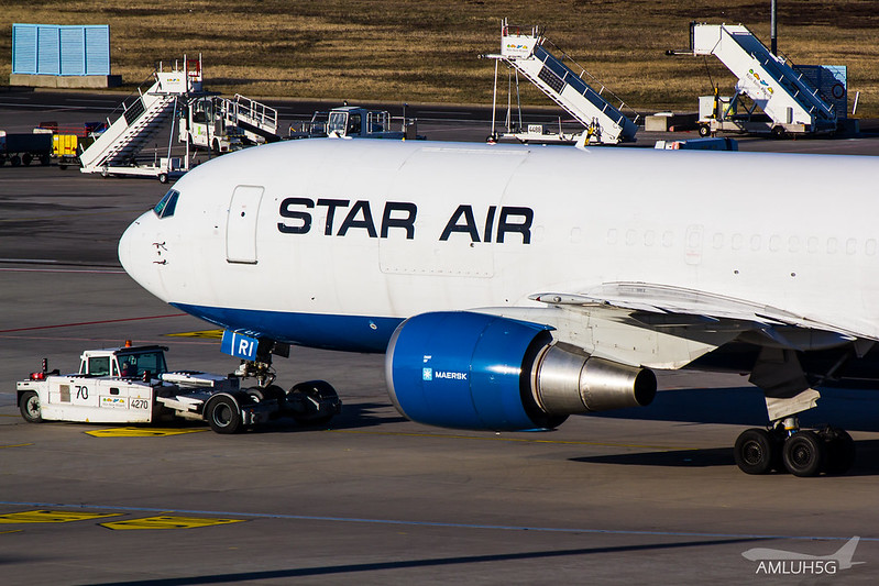 Star Air - B762 - OY-SRI (2)