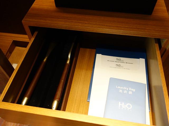 衣櫃裡的鞋刷與洗衣袋@高雄H2O水京棧國際酒店