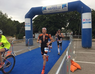 Vince-et-Roben-run-triathlon-M-Marseille.jpg-400x311