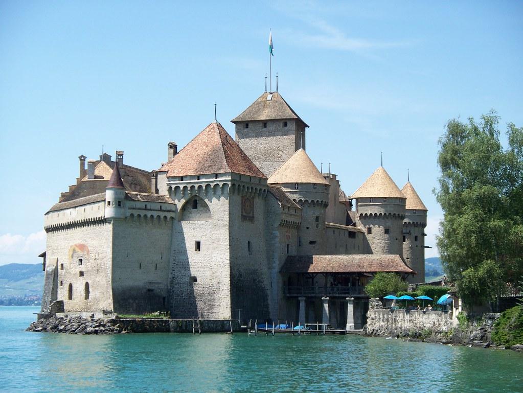 Chateau_de_Chillon_Castle,_Summer_2008