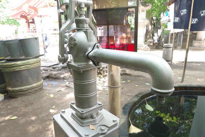 素盞雄神社の井戸ポンプ