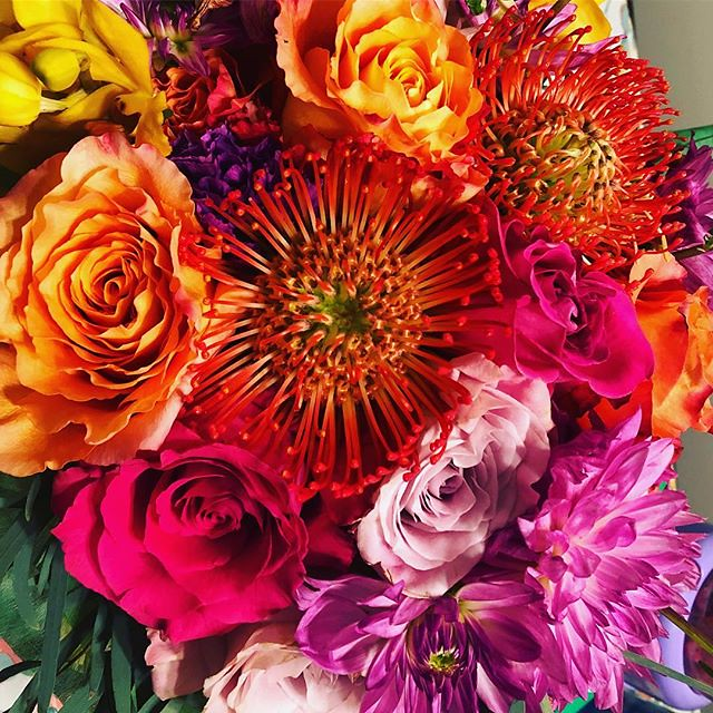 Go Bold Or go home! #monthlysubscription #wedothework #flowersforeveryone💐 #boldblossoms