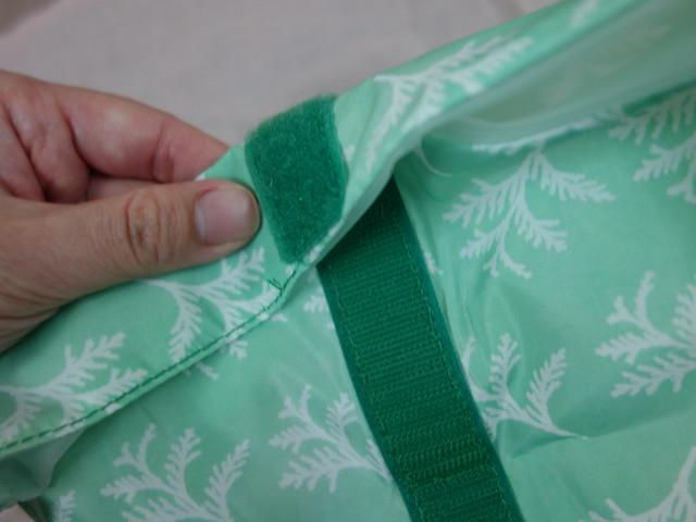 把袋口捲捲捲就可以黏起來@好日子Pockeat環保食物袋
