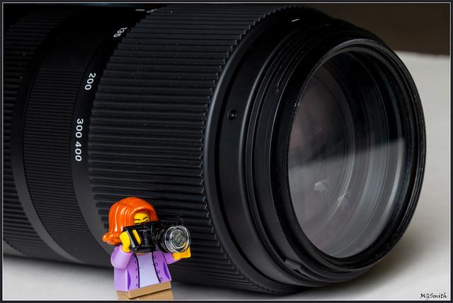 tiny camera woman :-), Canon EOS 70D, Canon EF 100mm f/2.8 Macro USM