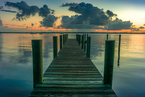 florida usa manatee river dawn sunrise morning water sky pier wood reflection reflect cloud clouds sun