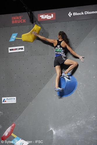ifscwch-innsbruck-boulderfinals-women-friday-029-D4S_2213