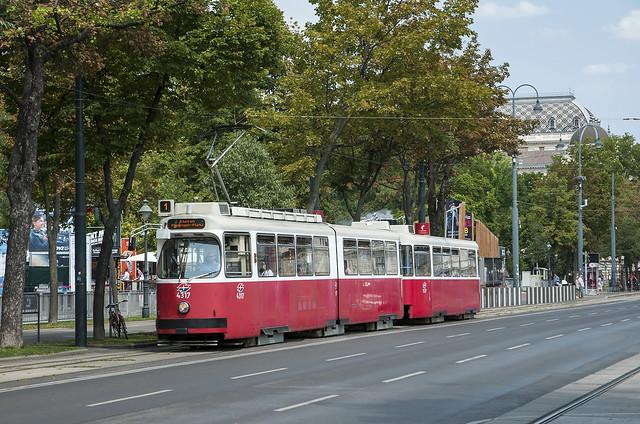 Tram 4317 (Type E1 ) Wien 10/08/2018, Nikon D300, AF-S DX VR Zoom-Nikkor 16-85mm f/3.5-5.6G ED