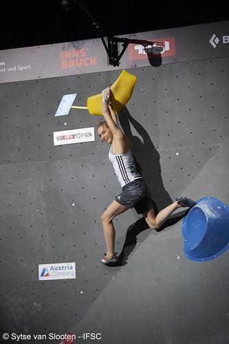ifscwch-innsbruck-boulderfinals-women-friday-035-D4S_2328