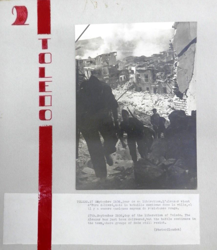 Toledo el 27 de septiembre de 1936, día de la entrada de las tropas franquistas. Fotografía de Claudek, pseudónimo de la condesa Claude-Marguerite de Kinnoull. Museo de los Mártires Claretianos de Barbastro.