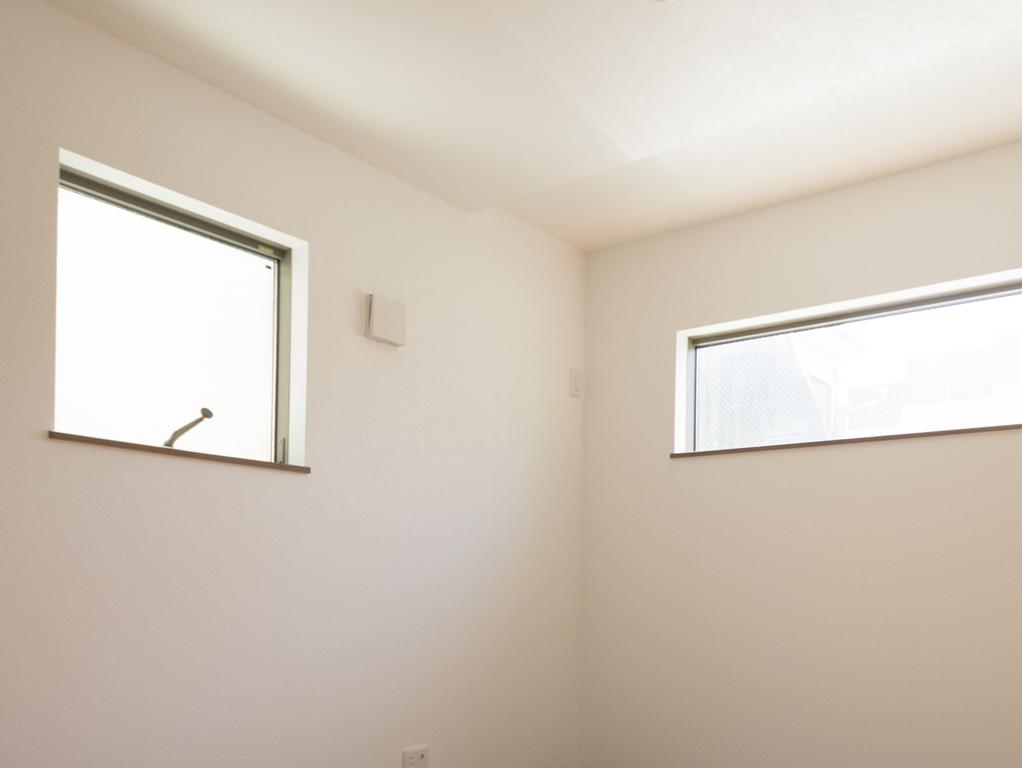 一階のお部屋の窓
