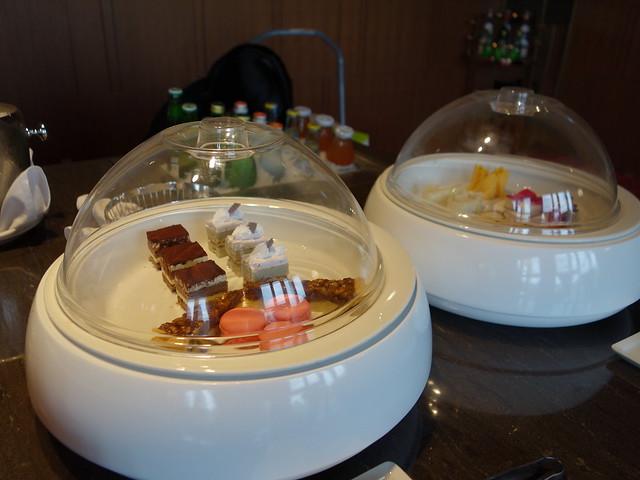 行政酒廊的小蛋糕@高雄H2O水京棧國際酒店