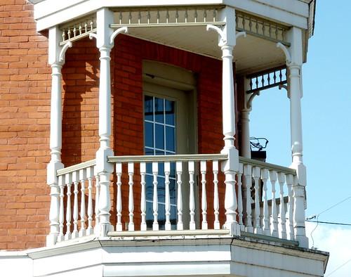 Old-fashioned balcony_0977