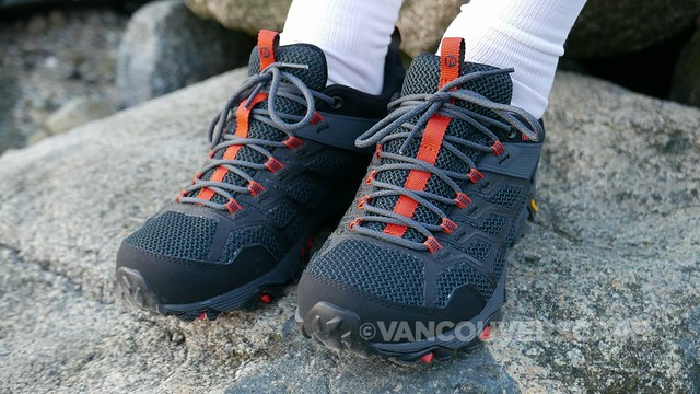 Merrell Moab FST 2 shoes