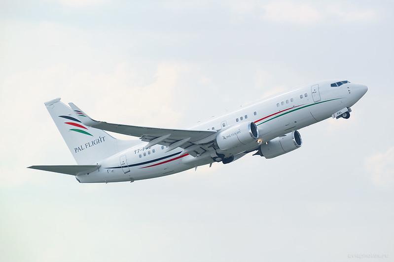 Boeing_737-7GJ_BBJ_T7-PAL_ArabWings_184_D800175