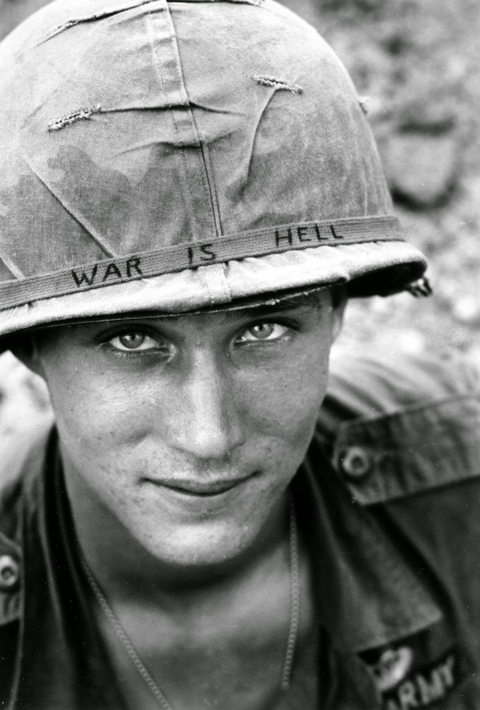 War is Hell - A háború pokol. Az egyik legsokatmondóbb fotó, amely a vietnámi háború alatt készült; a Pulitzer-díjas Horst Faas fotója.