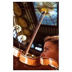 Charlotte, Barcelona . #xpro2 #fujixpro2 #fujifeed #fujifilm #fujilove #myfujilove #fujifilm_xseries #fujifilmusa #fujifilmnordic #fujifilmme #fujifilm_uk #fujixfam #twitter #geoffroyschied #35mmofmusic #spain #barcelona #palaudelamusica #charlotte #violi