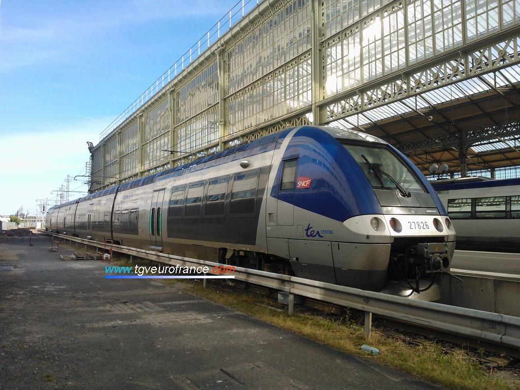 Une automotrice ZGC Bombardier Transport dans la gare tourangelle (TER Région Centre Val-de-Loire)