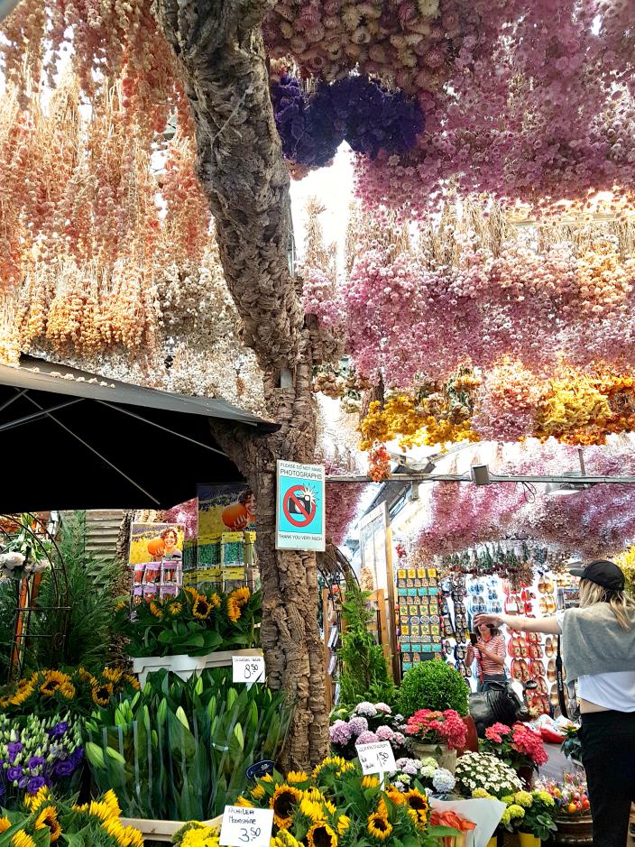 Flower market. 2