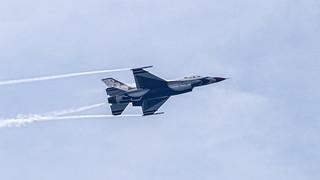 USAF Thunderbirds - flyby 2