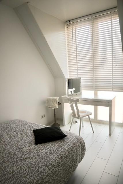 Werkhoekje lichte slaapkamer