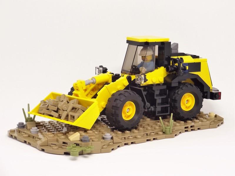 LEGO Wheel loader Komatsu WA380-8 ver.2
