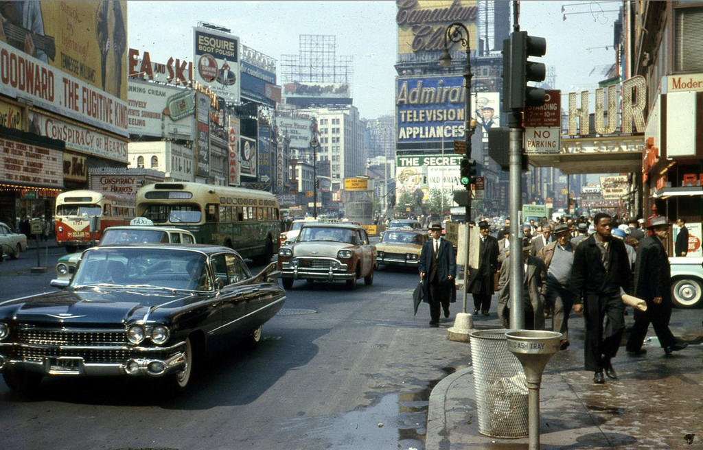 Everyday Life of New York City in the 1960s (22)