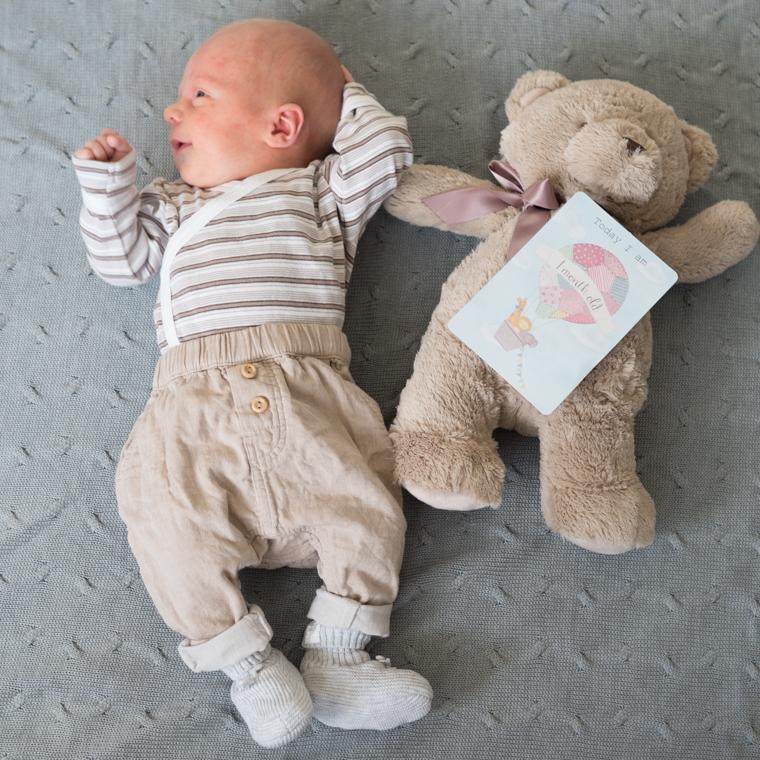 kuukauden ikäinen 1