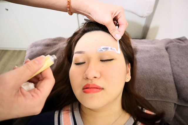 LA VIDA: Painless Eyebrow Embroidery Procedure