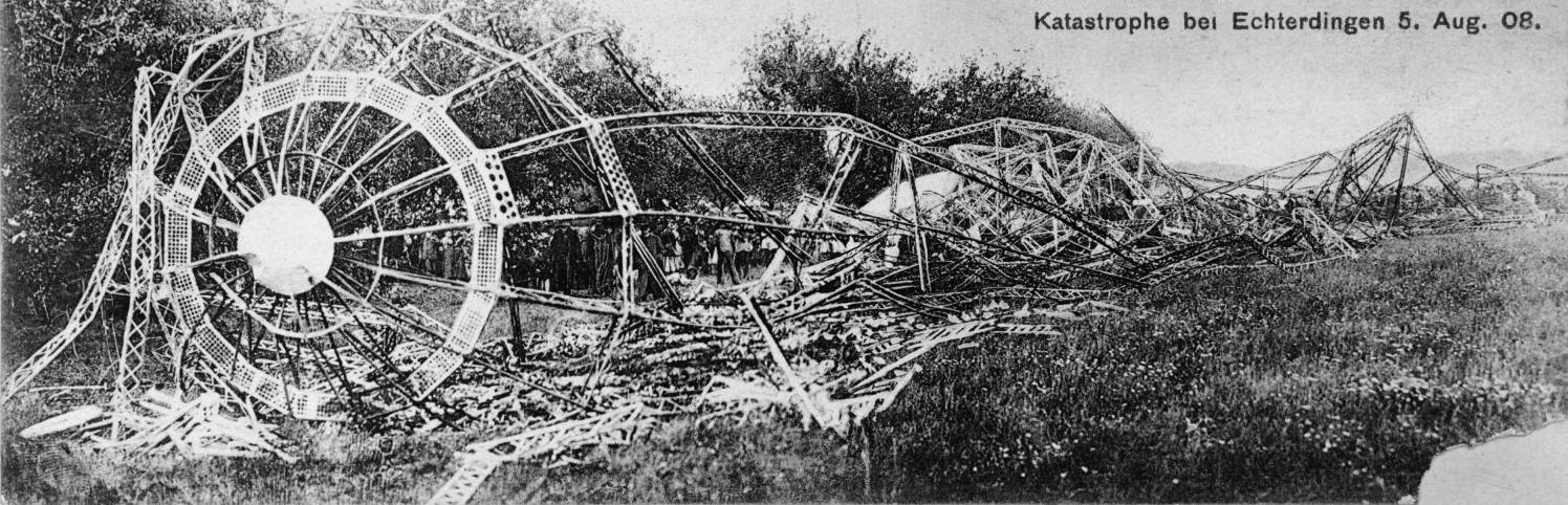 Wreckage of the Zeppelin LZ 4 after the crash in Echterdingen, August 5, 1908.