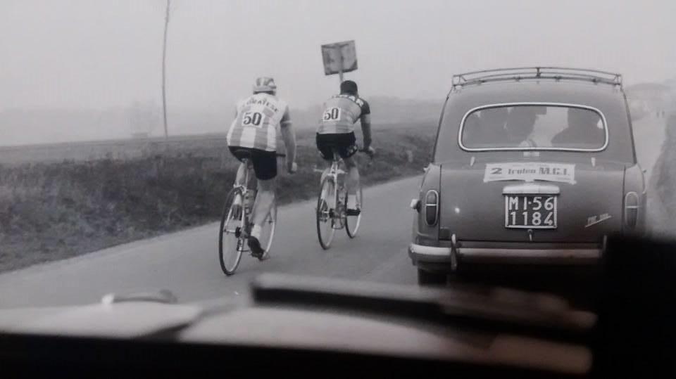 Augusto Marcaletti con Vittorio Sandroni (maglia cedratese) in una crono coppie gentlemen negli anni '60 - foto inviata da Giampaolo Sandroni