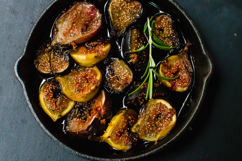 Red Wine Roasted Figs with Rosemary