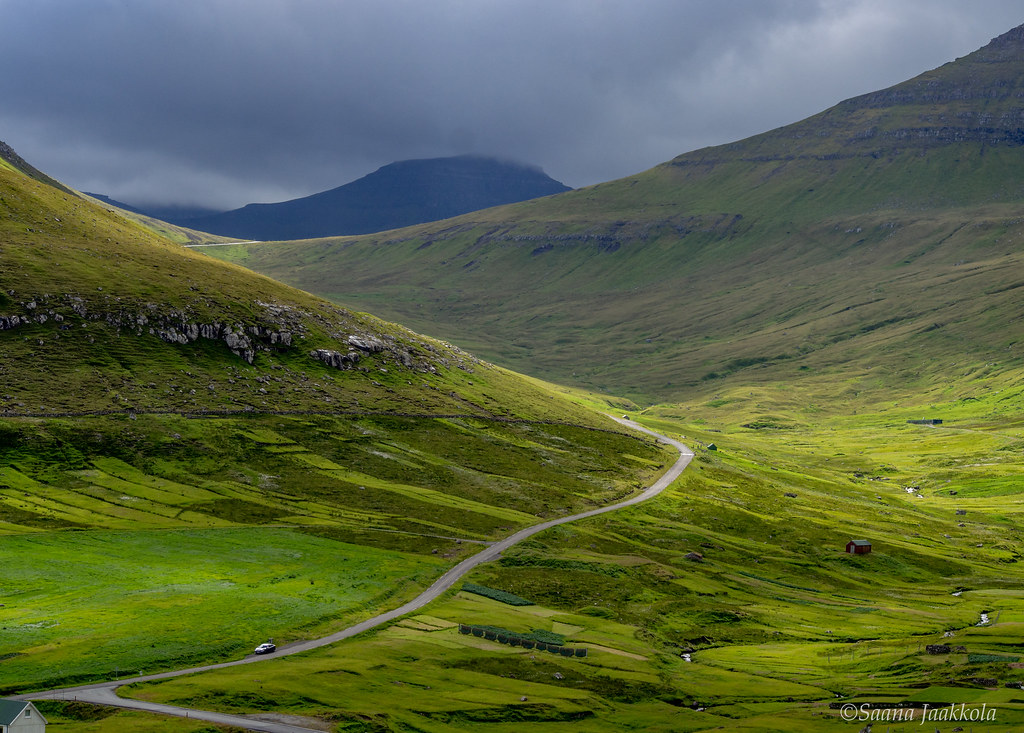 Is driving in the Faroe Islands difficult? Tips for a perfect road trip.
