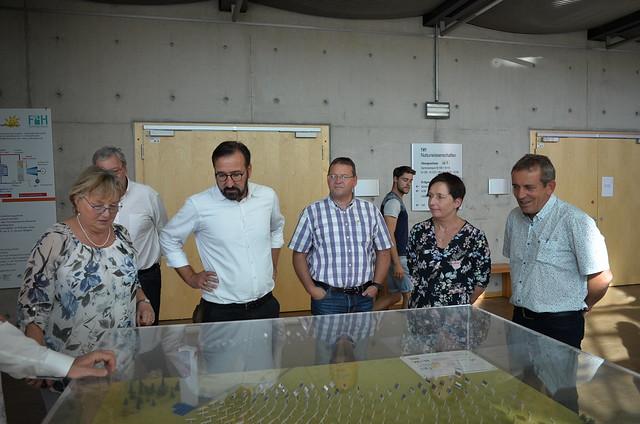 Liberale Frauen besuchen das Solar-Institut Jülich