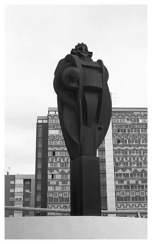 el campello statue