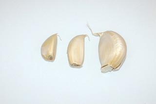 04 - Zutat Knoblauchzehen / Ingredient garlic cloves