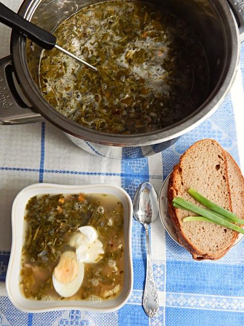 Щи зелёные из щавеля по рецепту из Книги о вкусной и здоровой пище | HoroshoGromko.ru