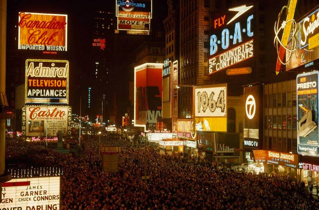 Everyday Life of New York City in the 1960s (32)