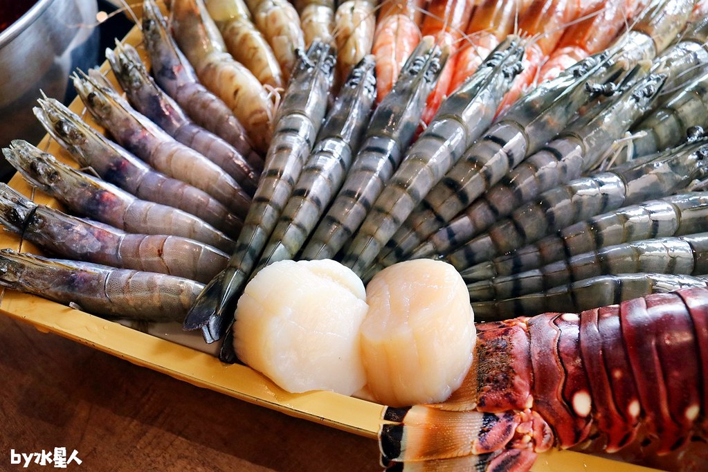 44150402691 7eb879ee0a b - 熱血採訪|台北知名火鍋上官木桶鍋來台中,超狂甜蜜痛風鍋,爆量鮮蝦吃到爽