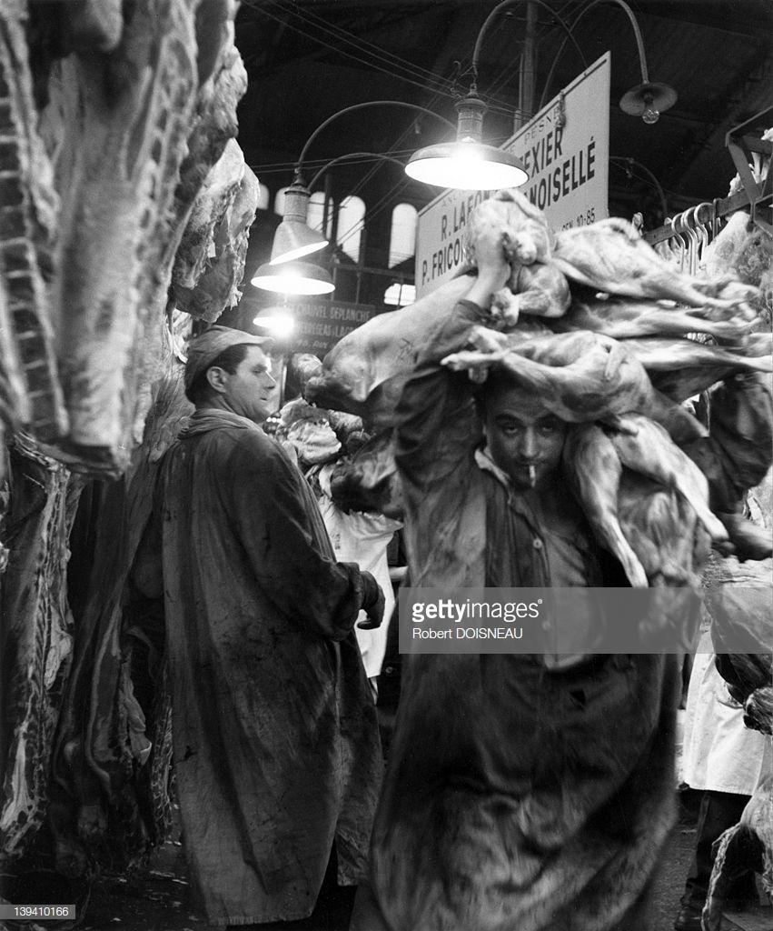 1955. Грузчик в мясном зале Ле-Аль