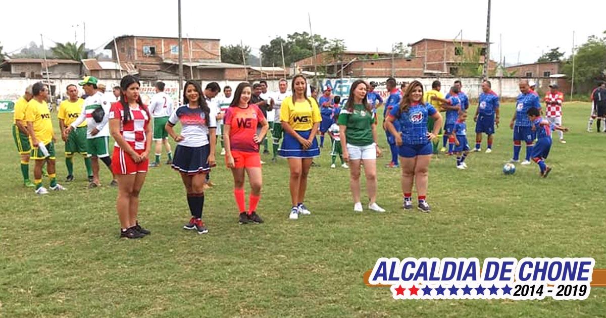 Inauguración del IV Campeonato Máster de Fútbol Copa Víctor El Chino Bravo
