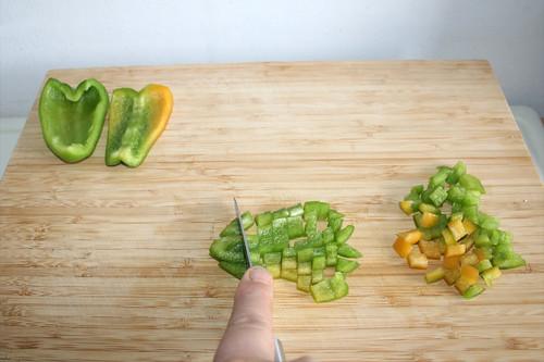 19 - Paprika würfeln / Dice bell pepper