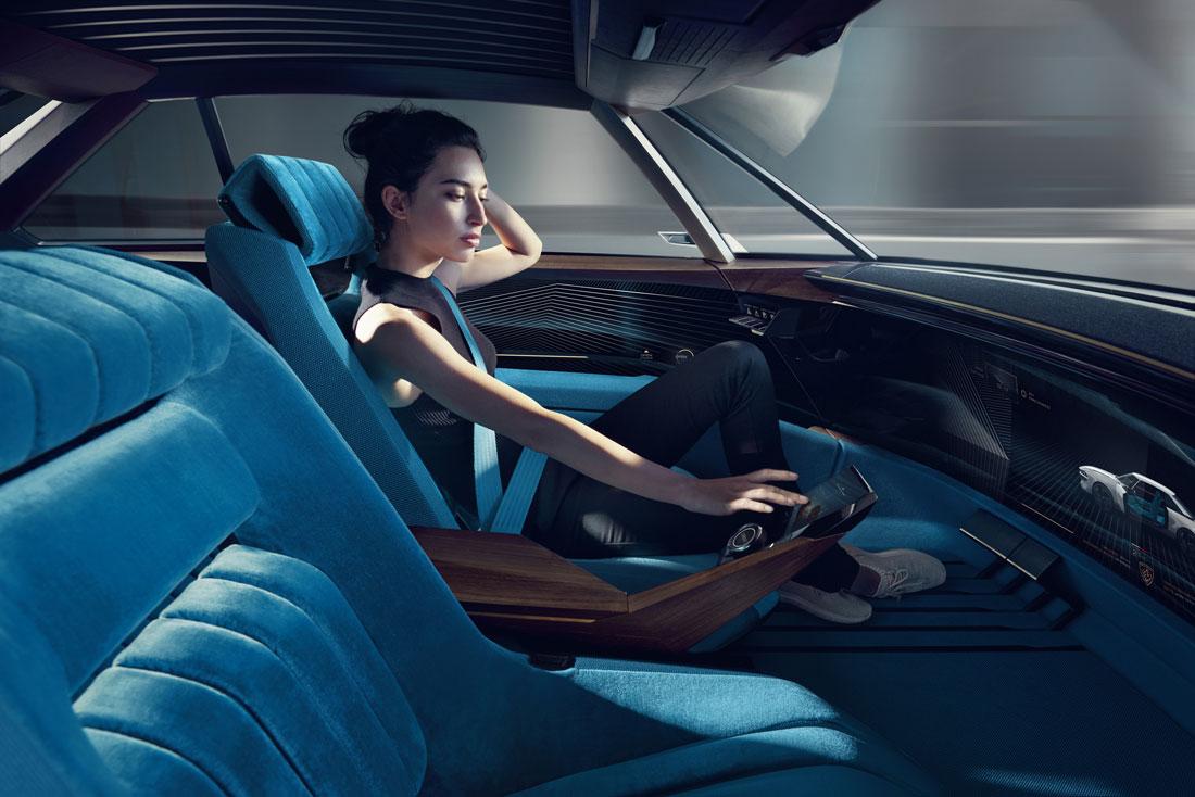 2018092025_Peugeot_E-Legend